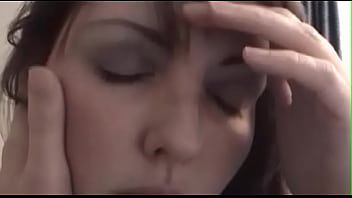 Юные лезбиянки по окончании разлуки устроили энергичный трах