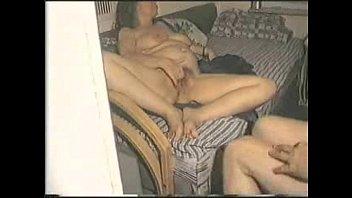Муж приставил к жене охранника и она побрила пизду, для того чтоб трахнуть его
